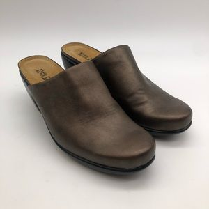 Naot Leather Slip On Mules  size 39
